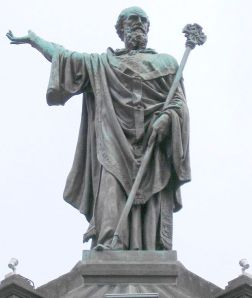 640px-StatueUrbanII